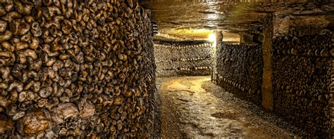 Paris Catacombs Tour (private) - Meet the Locals for families